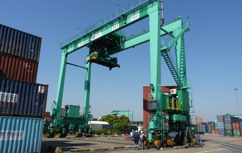 6 New Hybrid Rubber-Tired Gantry Cranes (RTGs) to be installed in Waigaoqiao Terminal, Shanghai